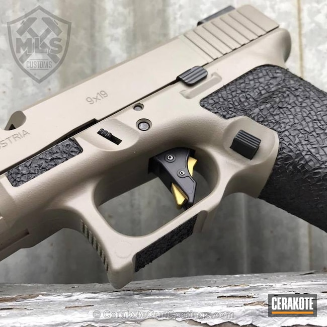Cerakoted: Sand E-150G,Glock 19,Sand E-150,Cerakote Elite Series,Stippled,Pistol,Glock,Machined Slide,Handguns