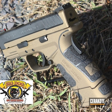 Cerakoted Two Tone Springfield Xd-40 Cerakoted In H-146 And H-148