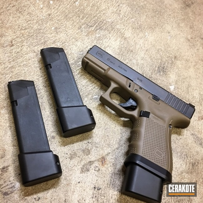 Two Toned Glock 19 Handgun done in H-146 and H-261