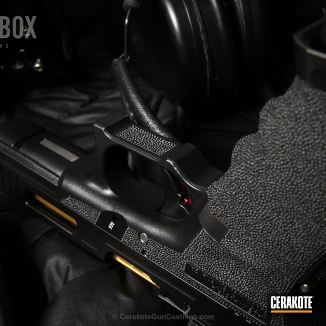 Cerakoted: Graphite Black H-146,Solid Tone,Pistol,Glock