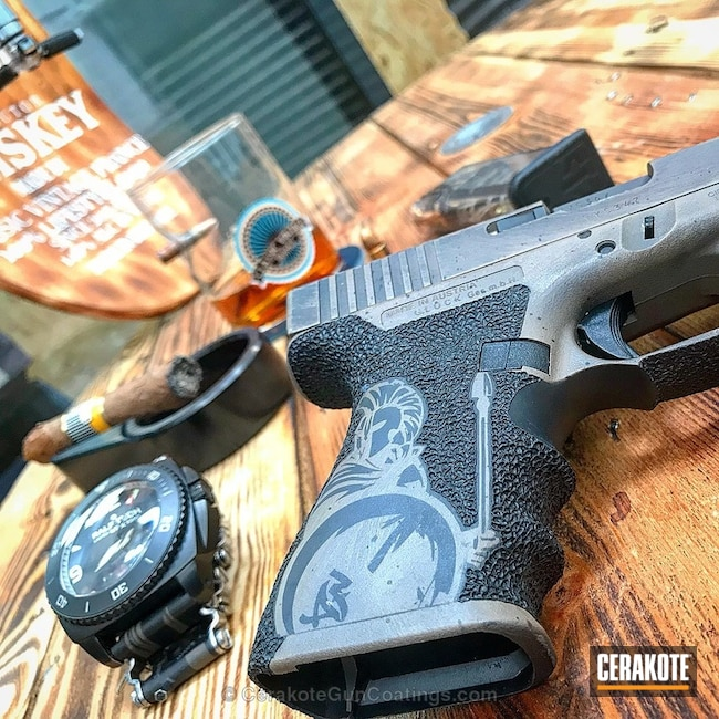 Cerakoted: Glock 19,MAGPUL® FLAT DARK EARTH H-267,Distressed,Gen II Graphite Black HIR-146,Pistol,Glock