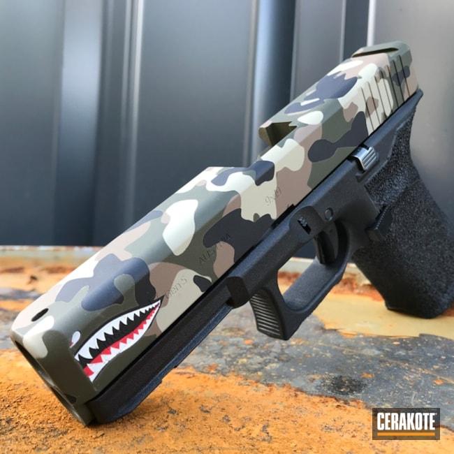 Cerakoted: Coyote Tan H-235,MultiCam,Snow White H-136,Graphite Black H-146,Stippled,Pistol,Glock,Glock 17,MAGPUL® O.D. GREEN H-232,Shark Mouth