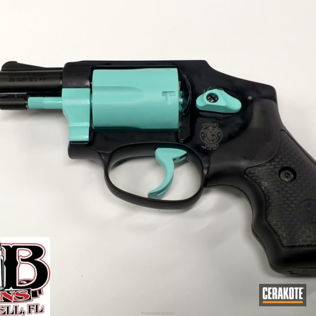 Two Toned Revolver in H-175 Robin's Egg Blue