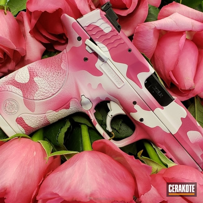 Big version of the 1st project picture. Smith & Wesson, MultiCam, 22lr, Pistol, Girls Gun, Sig Pink H-224Q, Snow White H-136Q, Valentine's Day
