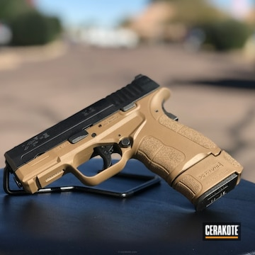 Cerakoted Two Toned Springfield Xds Handgun In Cerakote Fde