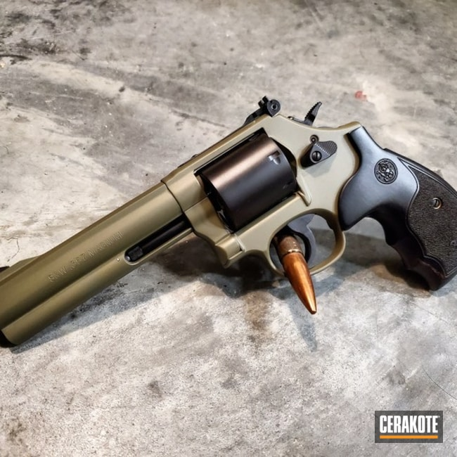 Cerakoted: S.H.O.T,Hunting,Smith & Wesson 686-6,HAZEL GREEN H-204,.357 Magnum,Graphite Black H-146,Two Tone,Smith & Wesson,Revolver,Gun Coatings