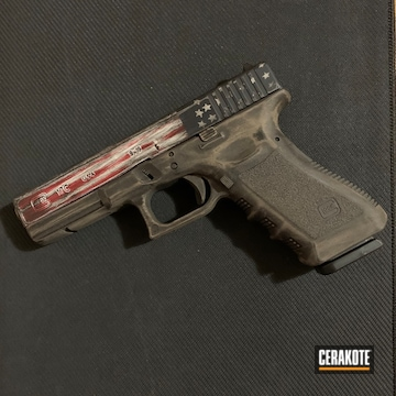 Cerakoted Distressed Us Flag On A Glock 17c Cerakoted With H-216, H-127 And H-297