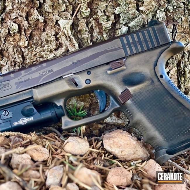 Cerakoted: S.H.O.T,Glock 19,Graphite Black H-146,BARRETT® BRONZE H-259,Distressed,Pistol,American Flag,Glock,Gun Coatings,Flat Dark Earth H-265