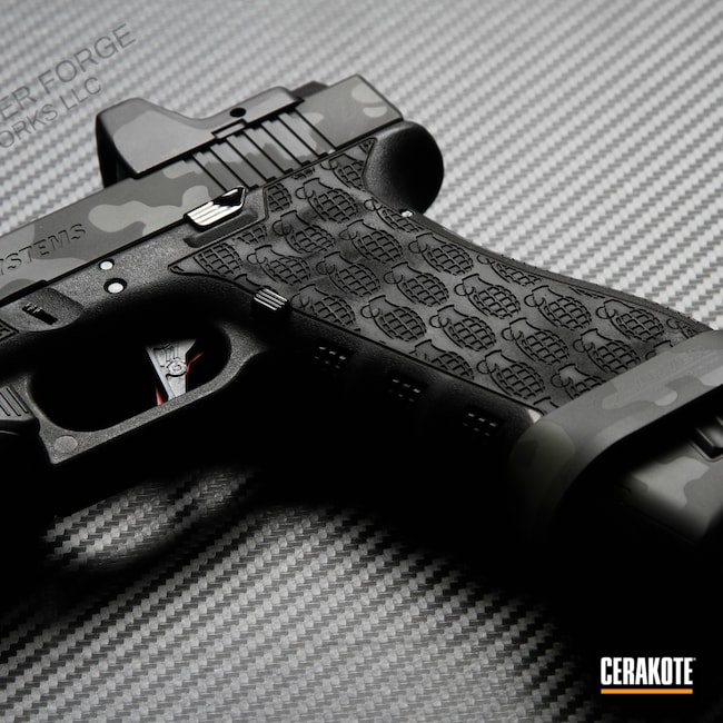 Cerakoted: S.H.O.T,Laser Stippled,SPRINGFIELD® GREY H-304,MultiCam,Graphite Black H-146,Mil Spec O.D. Green H-240,Pistol,Glock,Glock 17,Laser Engrave,MultiCam Black