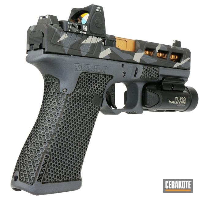 Cerakoted: Laser Stippling,Armor Black H-190,Pistol,ALPHADOGARMS,Glock 17,SHOT,9mm,Sniper Grey H-234,RMR,MultiCam,SAVAGE® STAINLESS H-150,Glock,Splinter Camo