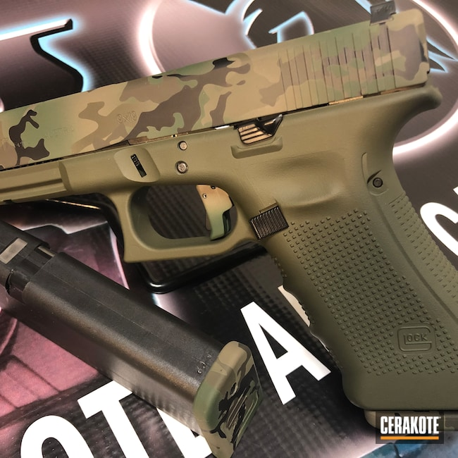Cerakoted: S.H.O.T,9mm,Highland Green H-200,Graphite Black H-146,Woodland Camo,Patriot Brown H-226,MAGPUL® FDE C-267,Pistol,Glock,O.D. Green H-236