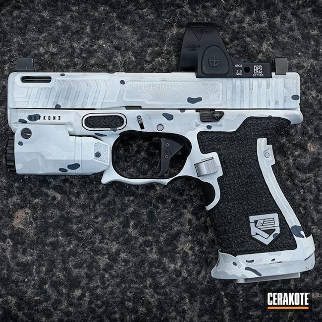 Cerakoted: S.H.O.T,Boogeyman,Inforce,Stippled,Pistol,Hand Stippled,Laser Engrave,EDC,Defkon3,MULTICAM® DARK GREY H-345,Glock 19,9mm,Alpine MultiCam,MultiCam,Snow White H-136,BATTLESHIP GREY H-213,Glock,Handguns