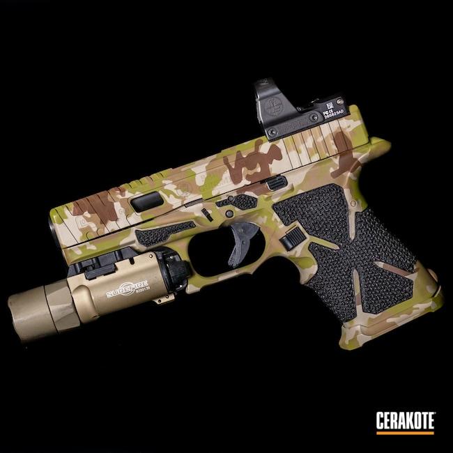 Cerakoted: S.H.O.T,Custom Glock,MULTICAM® LIGHT GREEN H-340,Arid MultiCam,Pistol,Glock,Glock 17,Arid