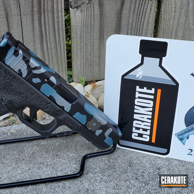 Cerakoted: Satin Mag H-147,S.H.O.T,MultiCam,Graphite Black H-146,Pistol,Glock,Blue Titanium H-185