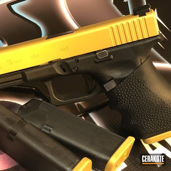 Cerakoted: S.H.O.T,Glock 19,9mm,Two Tone,Pistol,Glock,Gold H-122