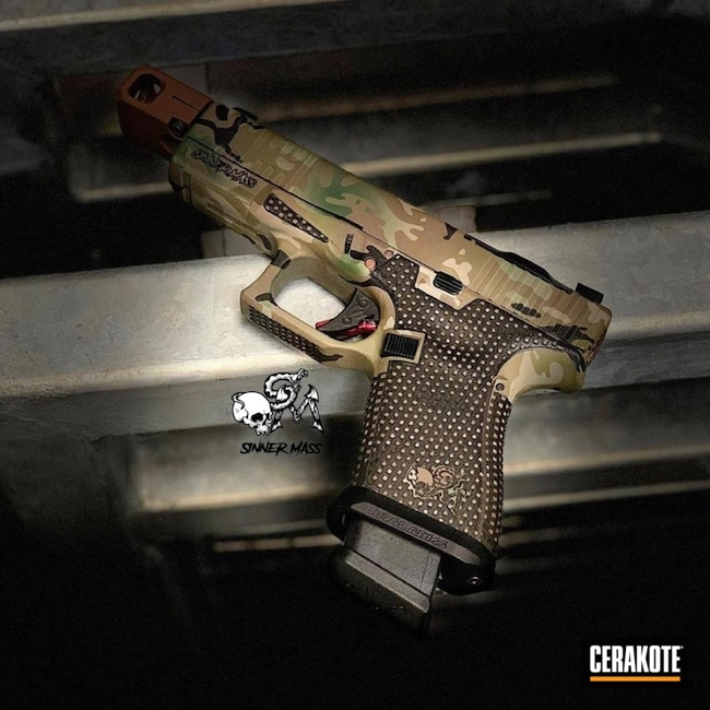 Cerakoted: S.H.O.T,Laser Stippled,EDC Pistol,Stippled,Pistol,Flat Dark Earth H-265,Laser Engrave,Jesse James Eastern Front Green H-400,Handgun,MultiCam,Graphite Black H-146,MCMILLAN® TAN H-203,Glock