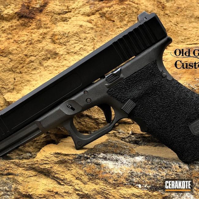 Cerakoted: S.H.O.T,Custom Grips,Graphite Black H-146,Tungsten H-237,Pistol,Glock,Hand Stippled,Machined Slide,Glock 17