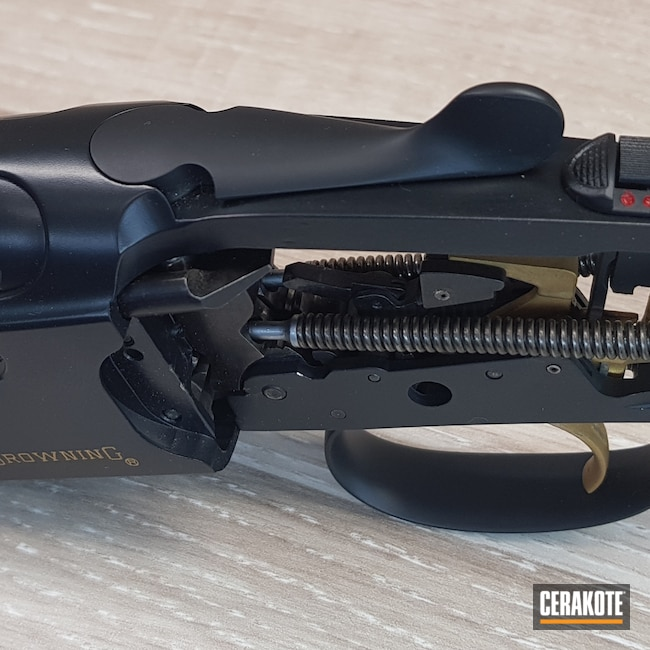 Cerakoted: S.H.O.T,Shotgun,Graphite Black H-146,Browning,12 Gauge,Gold H-122