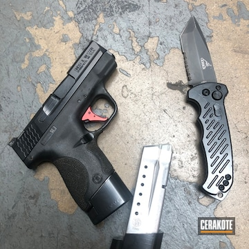 Cerakoted Refinished Knife And Smith & Wesson Handgun In E-100
