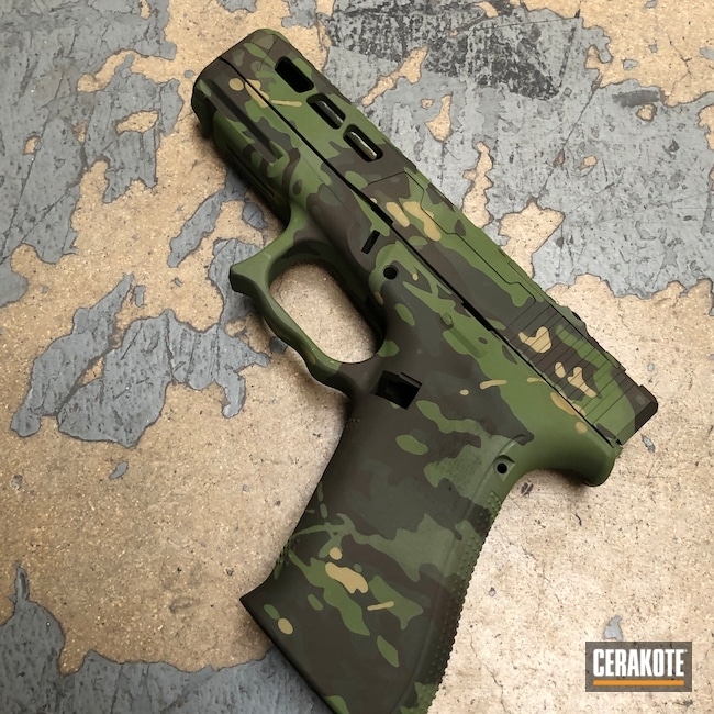 Cerakoted: S.H.O.T,MULTICAM® BRIGHT GREEN H-343,MultiCam Tropic,MULTICAM® OLIVE H-344,Pistol,Hand Stippled,Plum Brown H-298,Defkon3,MultiCam,Camo,Glock,Mil Spec Green H-264,MULTICAM® DARK GREEN H-341,Glock 19X