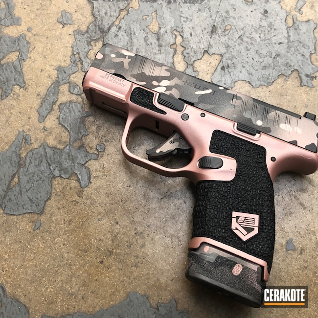 Cerakoted: S.H.O.T,PINK CHAMPAGNE H-311,Springfield Armory Hellcat,Rose Gold,Stippled,Pistol,Hand Stippled,Defkon3,Sniper Grey H-234,MultiCam,Graphite Black H-146,Camo,Springfield Armory,Hellcat,ROSE GOLD H-327,Handguns