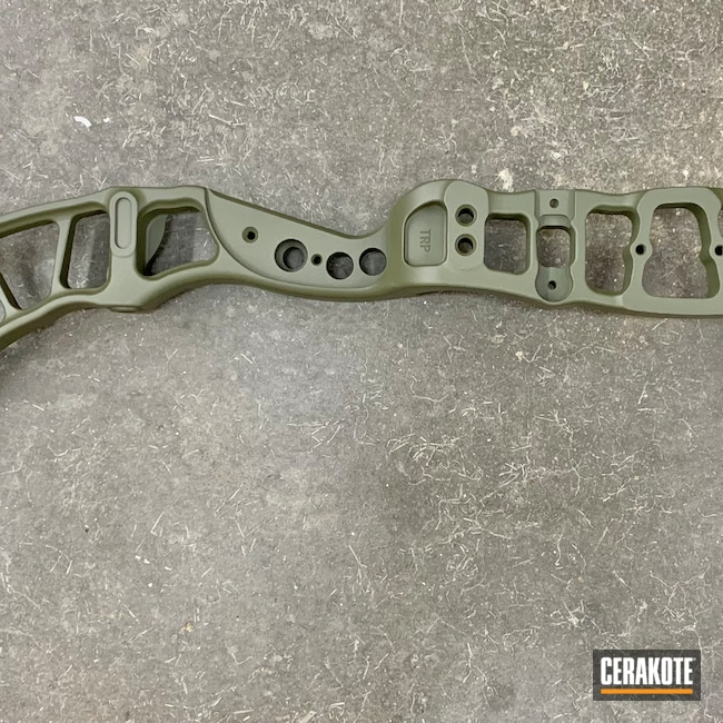 Cerakoted: S.H.O.T,Compound Bow Riser,Sniper Green H-229