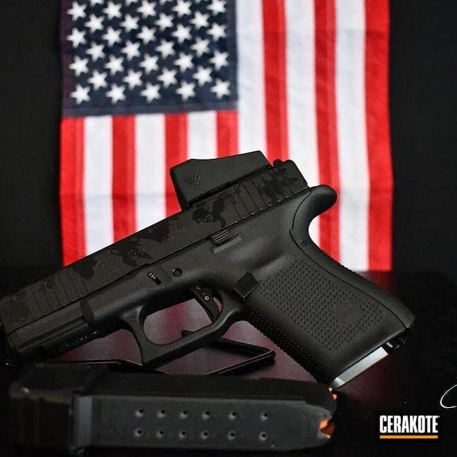 Cerakoted: S.H.O.T,Glock 19,9mm,Custom,Gloss Black H-109,Armor Black H-190,Glock,Custom Camo