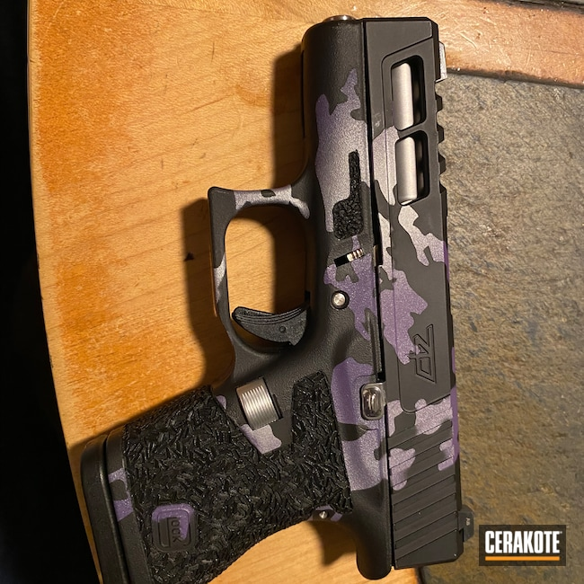 Cerakoted: S.H.O.T,Gucci Glock,Graphite Black H-146,FROST H-312,Glock,PURPLEXED H-332,Glock 43