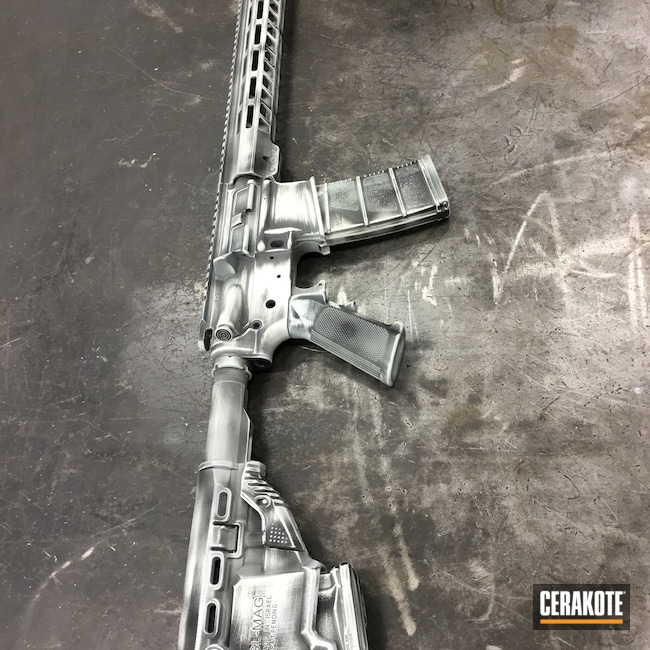 Cerakoted: S.H.O.T,Graphite Black H-146,FROST H-312,Weathered,.223 Wylde,AR-15