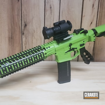 Spike's Tactical Ar Build Cerakoted Using Zombie Green And Graphite Black