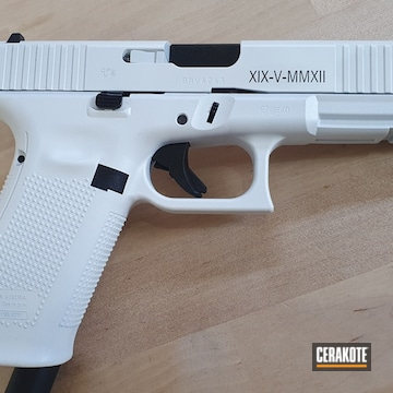 Glock 17 Gen5 Cerakoted Using Stormtrooper White