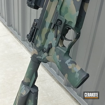 Custom Woodland Camo Ar-15 Cerakoted Using Highland Green, Sniper Green And Sniper Grey