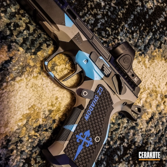 Cerakoted: S.H.O.T,Sniper Grey H-234,Graphite Black H-146,Disruptive Camo,BLUE RASPBERRY H-329,CZ
