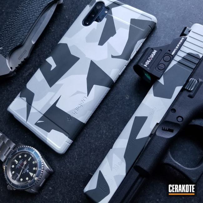 Cerakoted: S.H.O.T,Phone Case,Snow White H-136,Splinter Camo,SIG™ DARK GREY H-210,Combat Grey H-130,M90