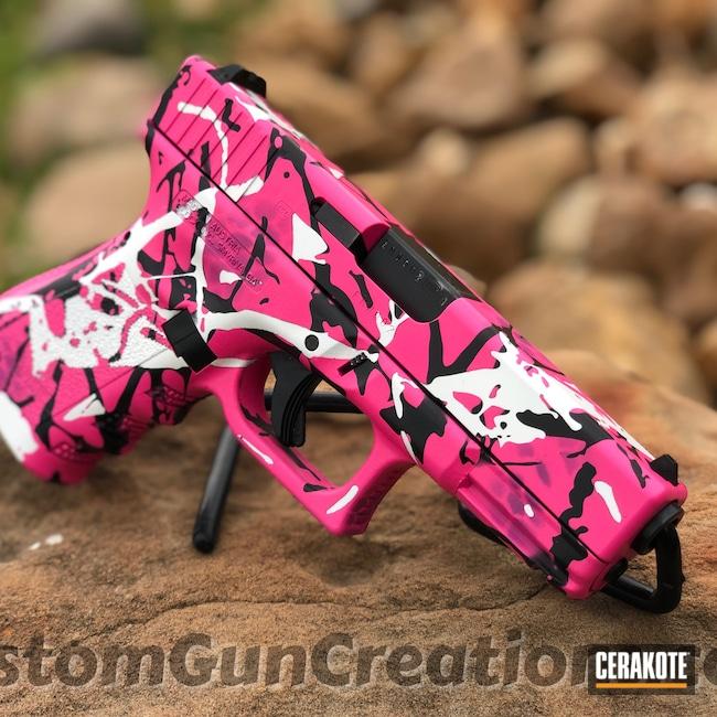 Cerakoted: S.H.O.T,Glock 19,9mm,Muddy Girl Pattern,Snow White H-136,Bright Purple H-217,Muddy Girl,SIG™ PINK H-224,Armor Black H-190,Pistol,Glock