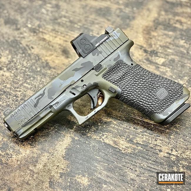 Cerakoted: S.H.O.T,Graphite Black H-146,Tungsten H-237,Camo,Glock,G17,MULTICAM® DARK GREEN H-341