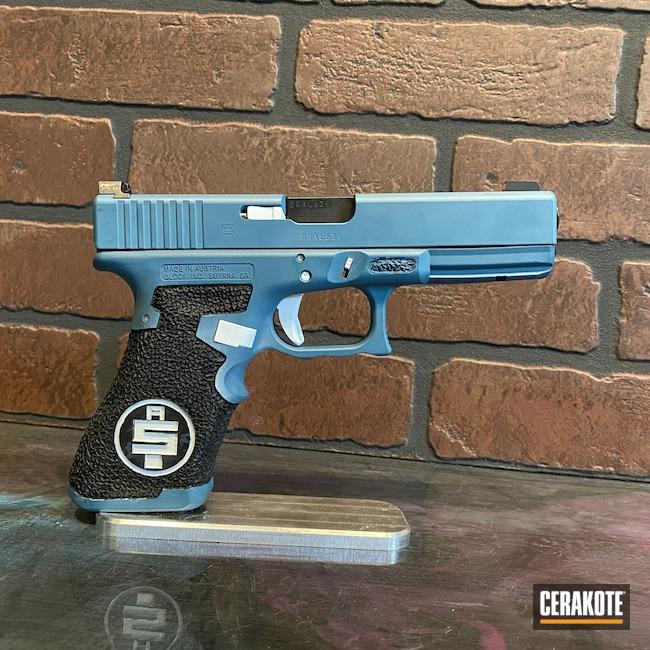 Cerakoted: S.H.O.T,Stormtrooper White H-297,Glock,Glock 17,Jesse James Civil Defense Blue H-401