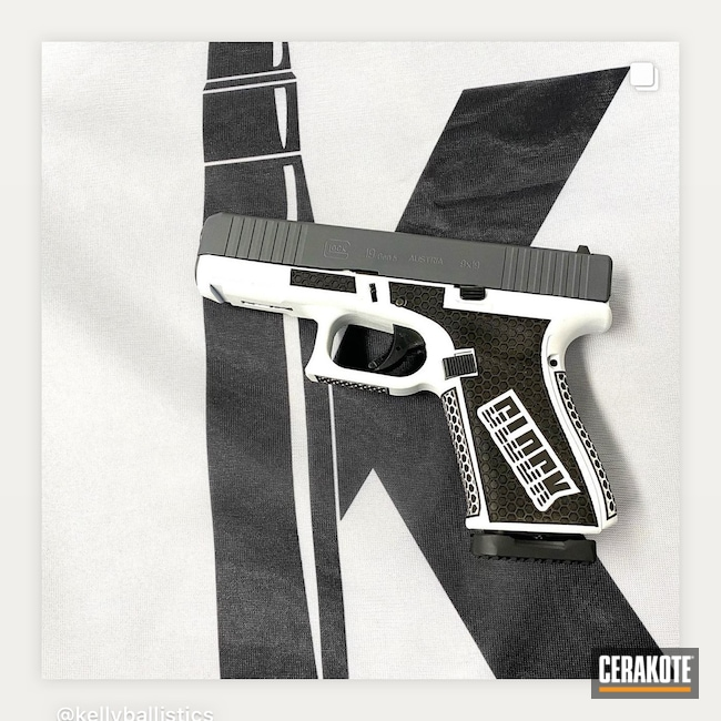 Cerakoted: Bright White H-140,S.H.O.T,Glock 19,Retro