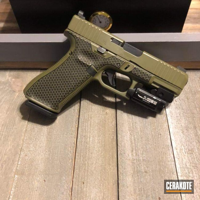 Cerakoted: S.H.O.T,Glock 45,Laserengraving,Glock,Honeycomb,Noveske Bazooka Green H-189