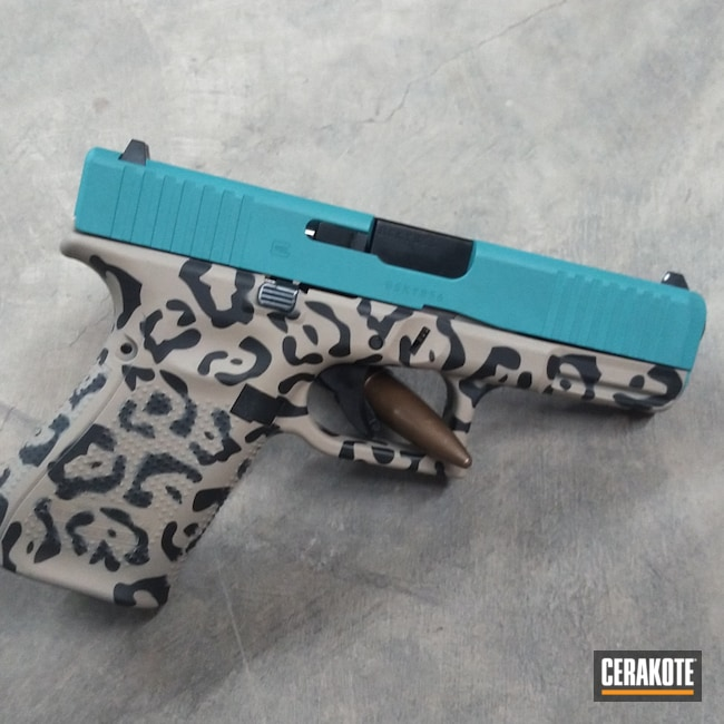 Cerakoted: S.H.O.T,Cheetah Print,AZTEC TEAL H-349,Graphite Black H-146,Desert Sand H-199,Pistol,Glock,Glock 17,Cheetah,17,Semi-Auto