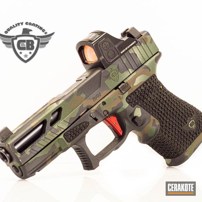 Cerakoted: S.H.O.T,Glock 19,Conceal Carry,Stippling,RMR,C&B QUALITY COATING,Graphite Black H-146,Glock,Holosun,Slide Cut,C&B QUALITY,THUNDERBOLT CAMO