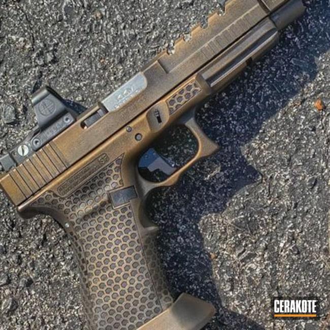 Cerakoted: S.H.O.T,Burnt Bronze,Distressed Glock,Burnt Bronze H-148,Stippled,Armor Black H-190,Pistol,Glock