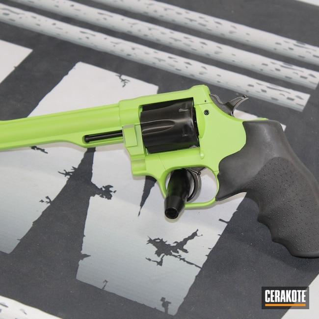Cerakoted: S.H.O.T,.357,Zombie,Magnum,.357 Magnum,Gloss Black H-109,Revolver,Wheel Gun,Zombie Green H-168,justincase,Apocalypse,Dan Wesson