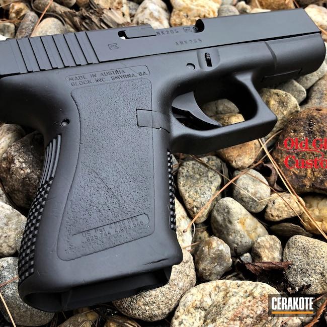 Cerakoted: S.H.O.T,Glock 19,9mm,Graphite Black H-146,Glock,Refinished