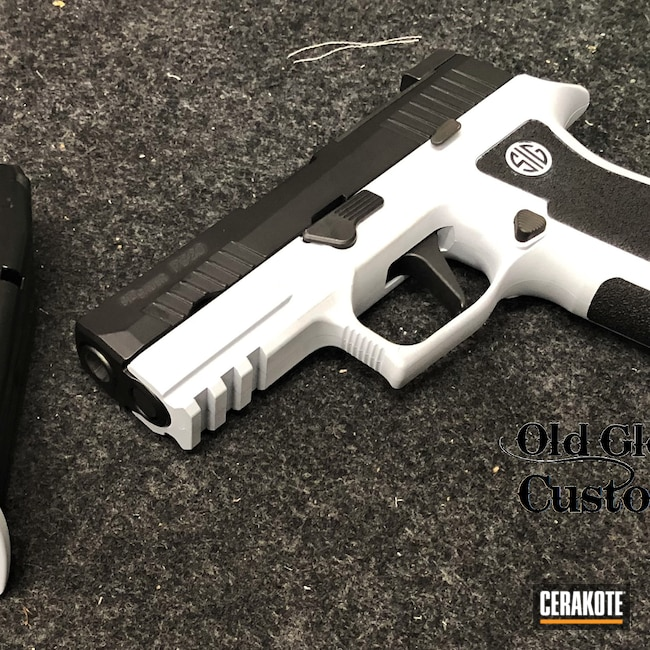 Cerakoted: S.H.O.T,9mm,Graphite Black H-146,P320,BATTLESHIP GREY H-213,Sig Sauer