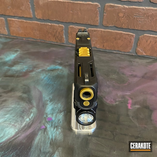Cerakoted: S.H.O.T,Glock 19,9mm,Graphite Black H-146