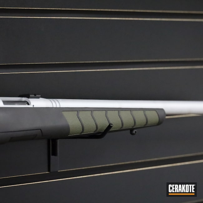 Cerakoted: S.H.O.T,Savage Arms,17WSM,Bolt Action,Graphite Black H-146,Crushed Silver H-255,O.D. Green H-236