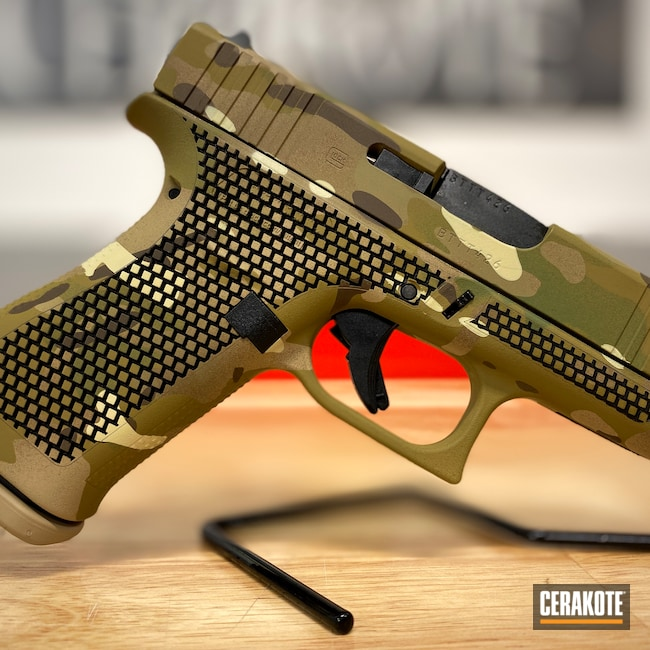Cerakoted: S.H.O.T,9mm,Glock 43X,Laser Stippled,BENELLI® SAND H-143,Glock,GLOCK® FDE H-261,MULTICAM® DARK GREEN H-341,Glock 43