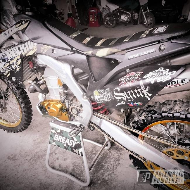 Powder Coating: 2 Color Application,SUPER CHROME USS-4482,Ink Black PSS-0106,Honda,Transparent Gold PPS-5139,Motorcycles,Dirt Bike