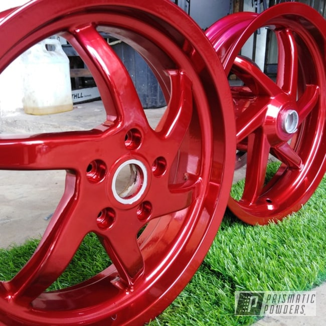 Powder Coating: Wheels,Gilera,Automotive,2 Color Application,SUPER CHROME USS-4482,Super Chrome,LOLLYPOP RED UPS-1506,Aluminium Wheels,lollypopred,Valve Cover